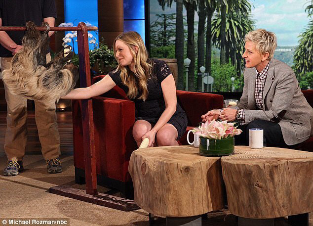 Lola meeting Kristen Bell on Ellen